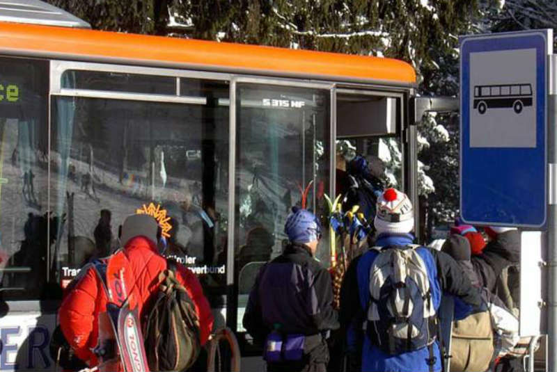 Free bus ticket at Hotel Rosengarten in wintertime